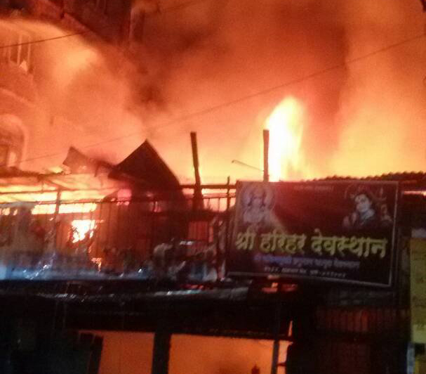 major-fire-tripple-story-building-pune-maharastra