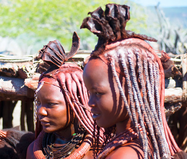 himba-tribe-omg-facts-no-bath-for-ladies-in-this