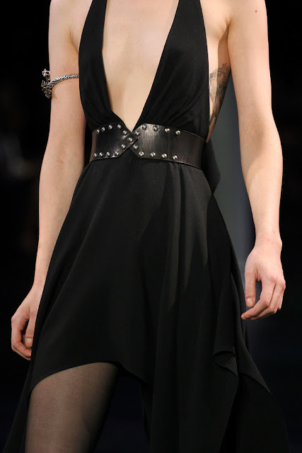 Arm cuff Saint Laurent SS 2015 Desfile