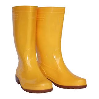 botas de goma amarillas