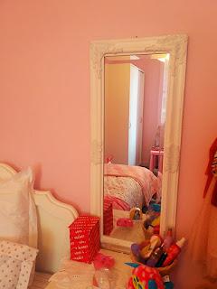 Καθρέφτης στο παιδικό δωμάτιο