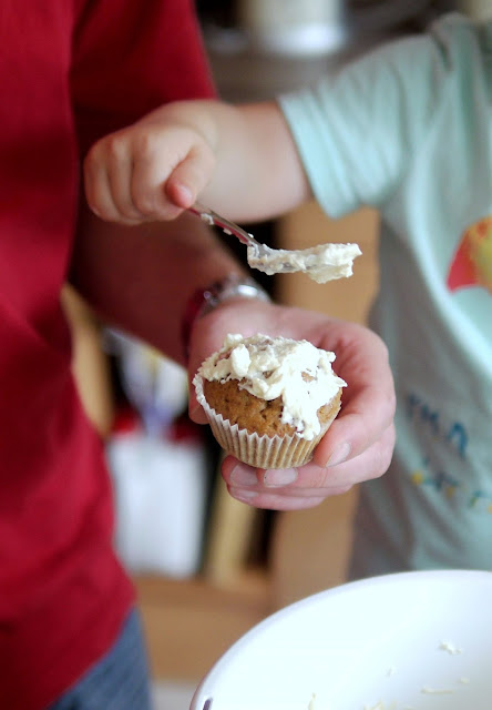 Möhrencupcakes mit gebräunter Buttercreme | Rezept | Backen | Muffins