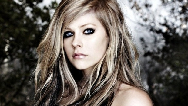 Lirik Lagu Girlfriend ~ Avril Lavigne