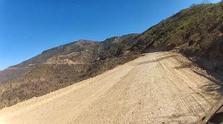 Rumo a Cochabamba / Bolívia em 150 km de estrada de terra.