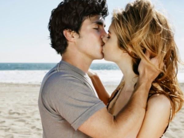 Cara Mencium Seorang Gadis Pemalu