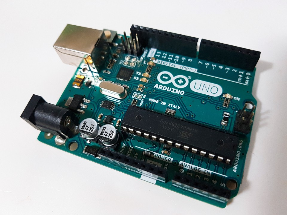 Review of Arduino Uno Starter Kit
