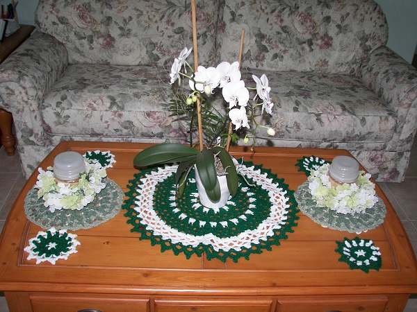Eye of the Emerald, gifting, doily, mandala, coasters, crochet, finished project