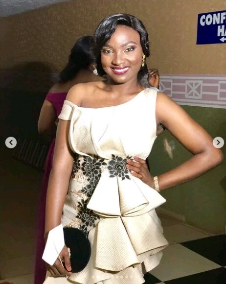Esther Adaobi Azom Gets Car From Ooni Of Ife As Best Graduating Medical Student