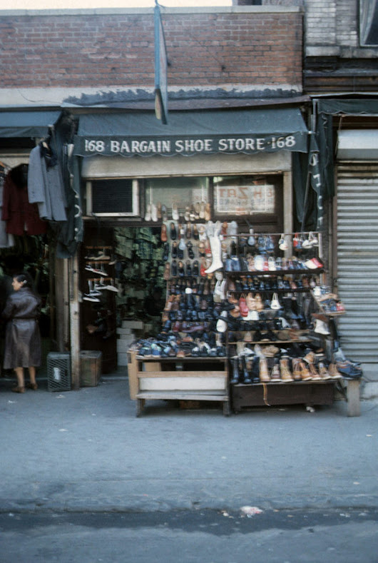 New York City 40 Years Ago – 35 Interesting Color Photographs That Capture The City's Street Scenes in the 1970s