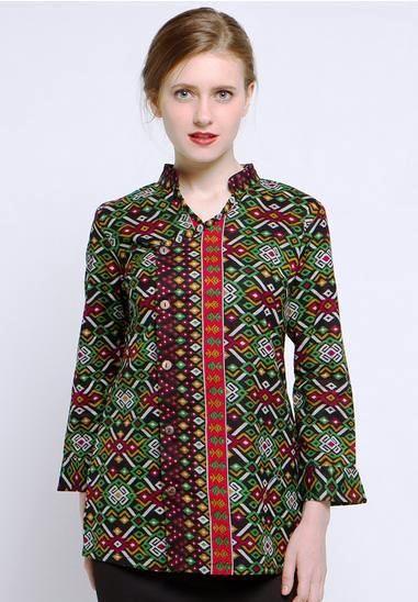 42 Model Baju Batik Atasan Wanita Kerja Lengan Panjang
