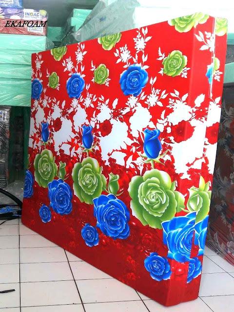 Kasur inoac motif bunga mawar merah