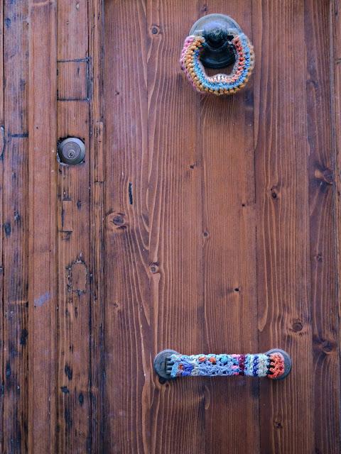 Portone con decorazioni, Sassari