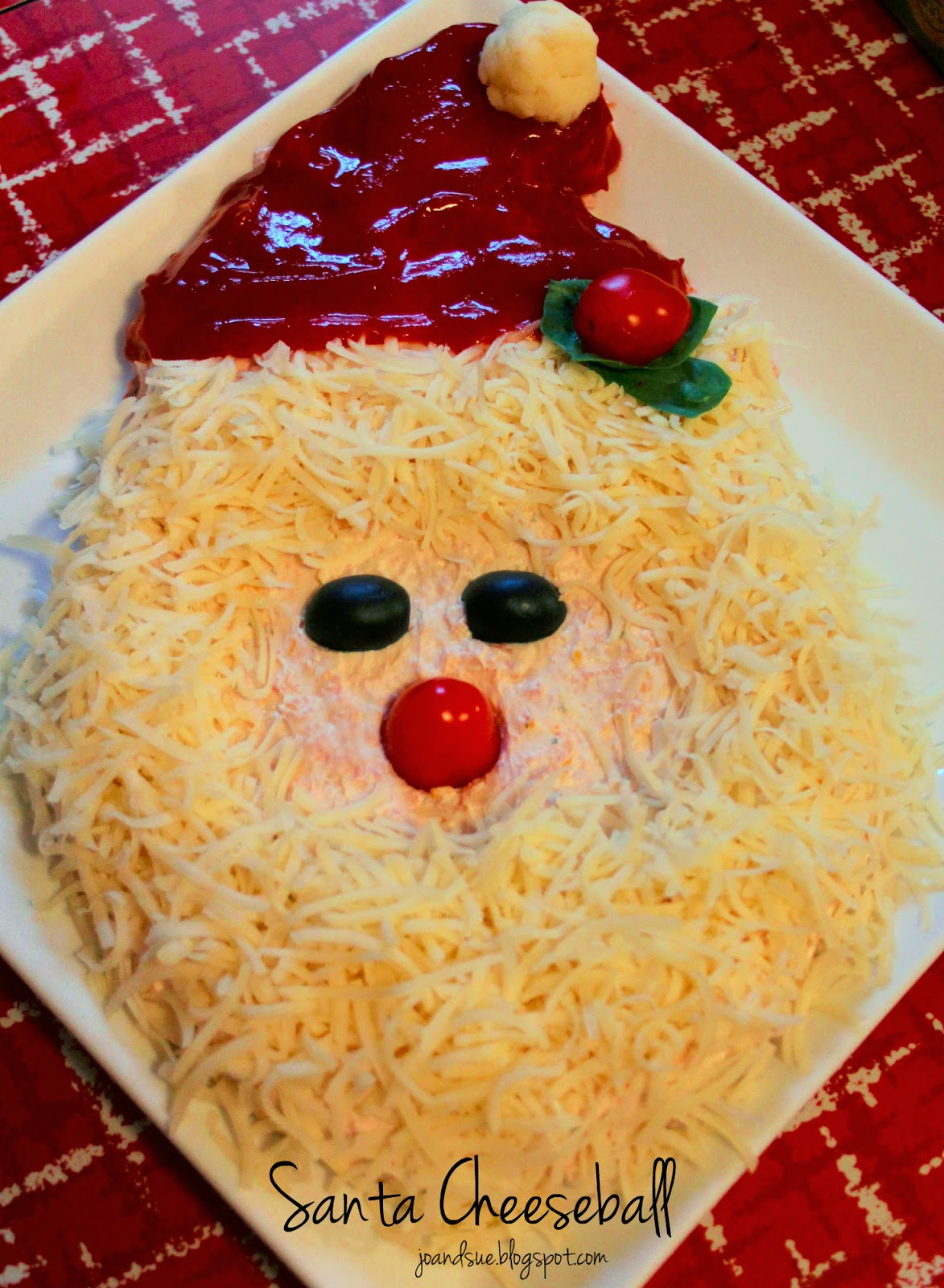 Jo and Sue: Santa Cheese Ball
