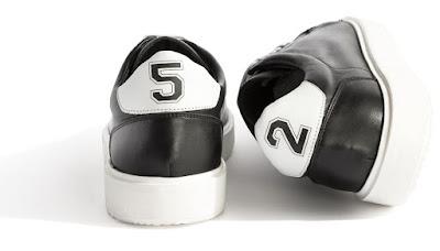 Da Frau una sneaker celebrativa coi numeri 5 e 2 sul retro 1b2ff2cda99