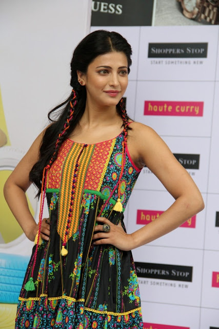 Shruti Haasan at Haute Curry Collection Launch for Shoppers Stop