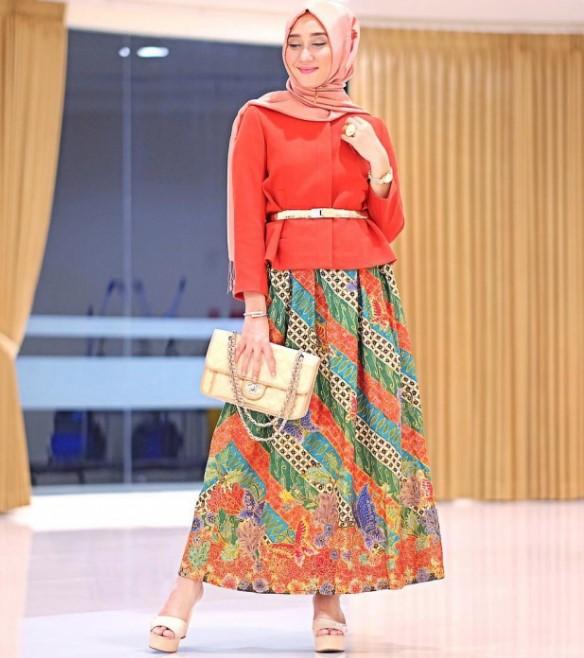 Model Baju Batik Zaskia Mecca: 30+ Ide Terbaik Baju Batik Pesta Tahun 2020