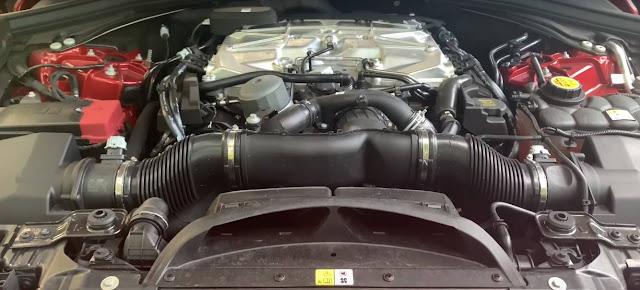 2020-Jaguar F-Pace-SVR-engine-v8