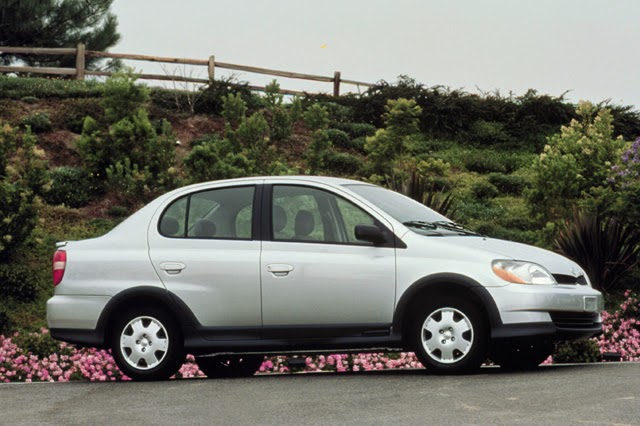 2000 Toyota Echo sedan