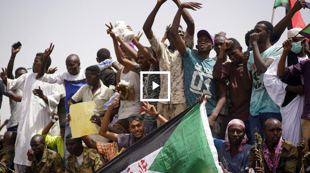 مقتل 16 سودانيا والمعارضة تدعو للاستمرار في الاحتجاج
