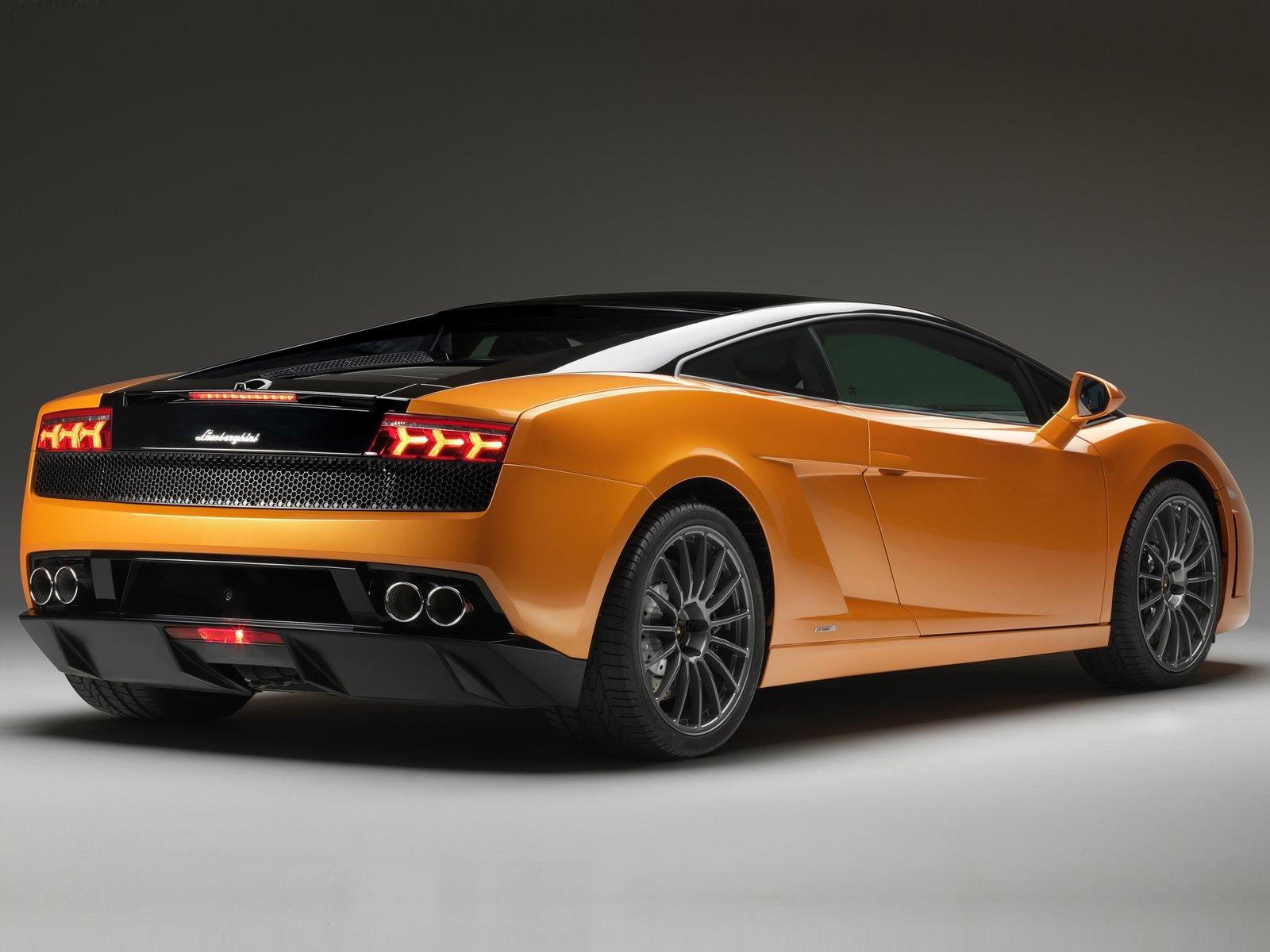 Nancys Car Designs: 2011 Lamborghini Gallardo LP560-4 Bicolore