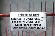 Buka Tutup Pintu Gerbang Gg.12 Menuju Wilayah RT.002/004/005, RW.006 Kelurahan Jembatan Lima