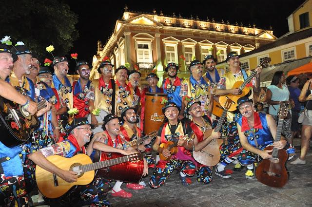 Paroano Sai Milhó abre temporada de Carnaval do Café Teatro Rubi