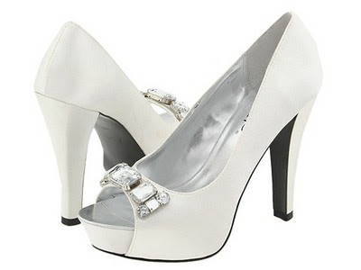 Women white wedding shoes 3