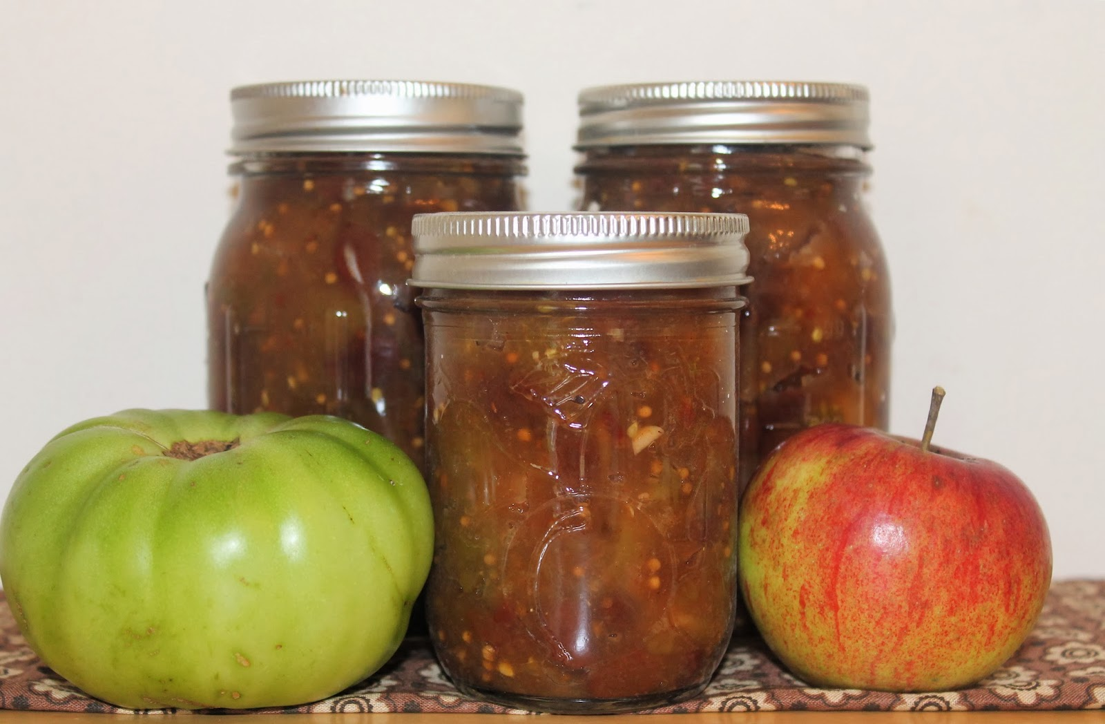 Savory Moments: Green tomato and apple chutney