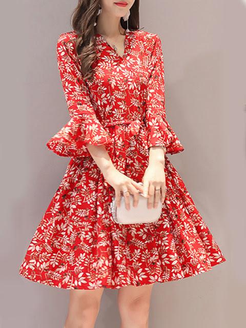 https://www.berrylook.com/en/Products/v-neck-floral-printed-bell-sleeve-shift-dress-210798.html?color=red