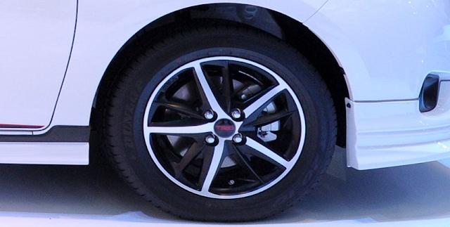 Lộ diện phiên bản Toyota Vios TRD cải tiến từ Vios G ảnh 4