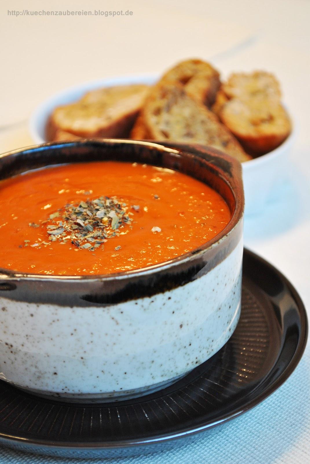 tomatensuppe mit ger steten tomaten und basilikum k chenzaubereien bloglovin. Black Bedroom Furniture Sets. Home Design Ideas