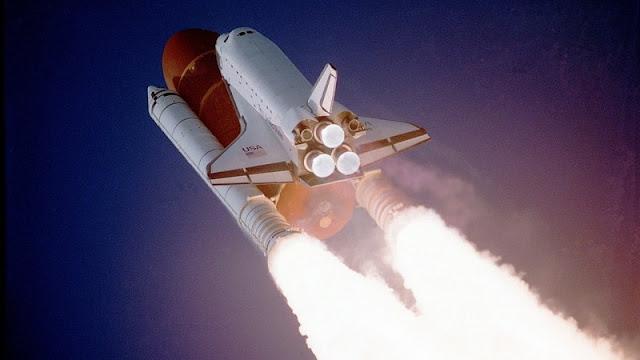 peluncuran pesawat luar angkasa