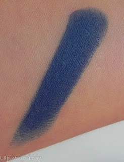 swatch labial full matte Pierre René