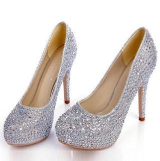 Sepatu Yang Cocok Untuk Kebaya Wisuda Termewah