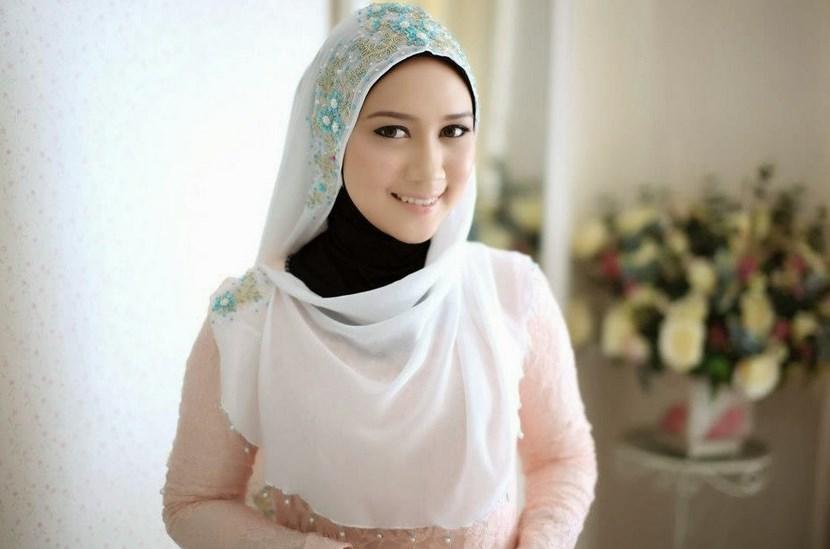 Tips dan Cara Memilih Hijab Sesuai dengan Bentuk Wajah Anda
