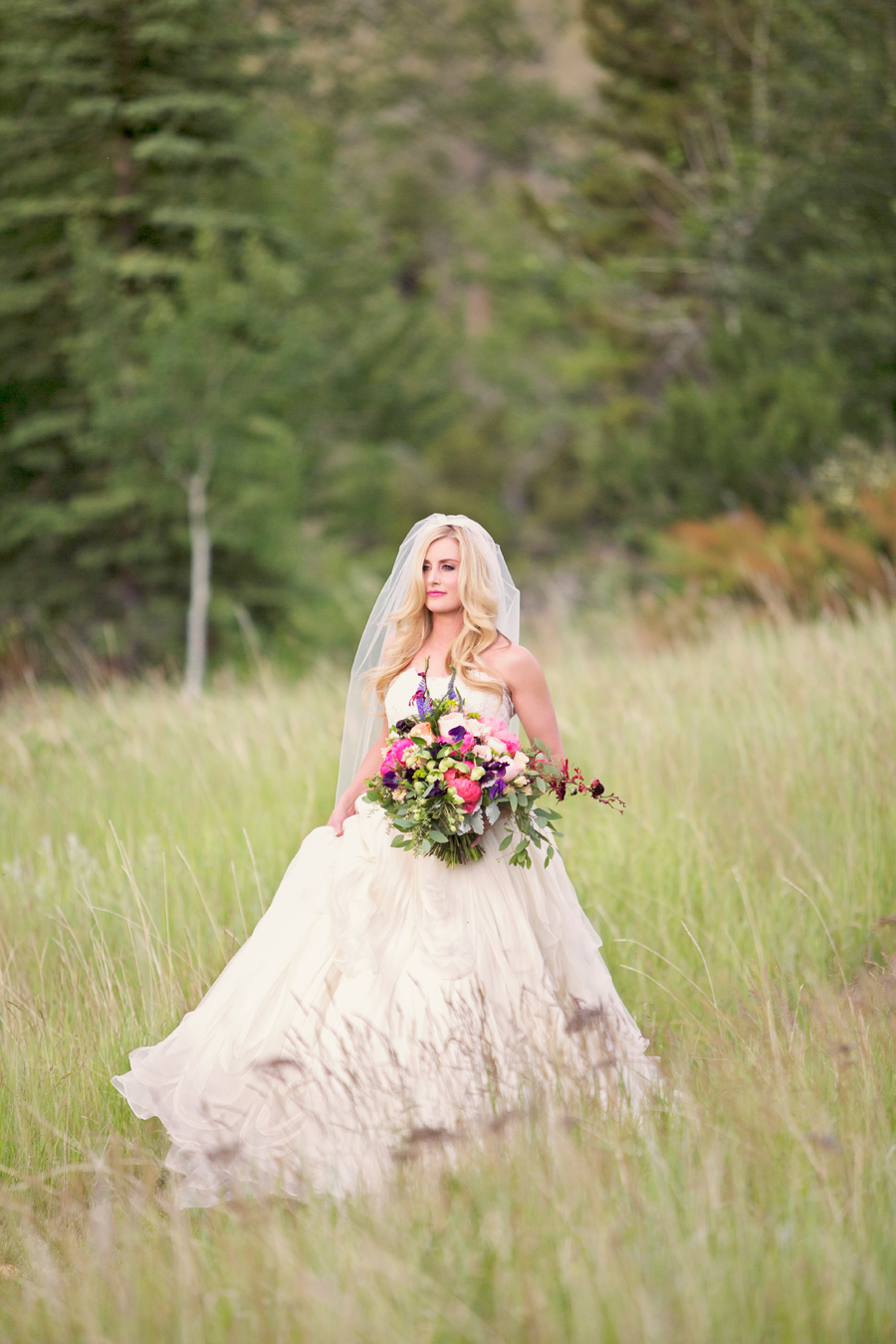 Stephanie Quayle Wedding / Photographer: Arnica Spring Photography / Wedding Design, Planning, & Wedding Flowers: Katalin Green