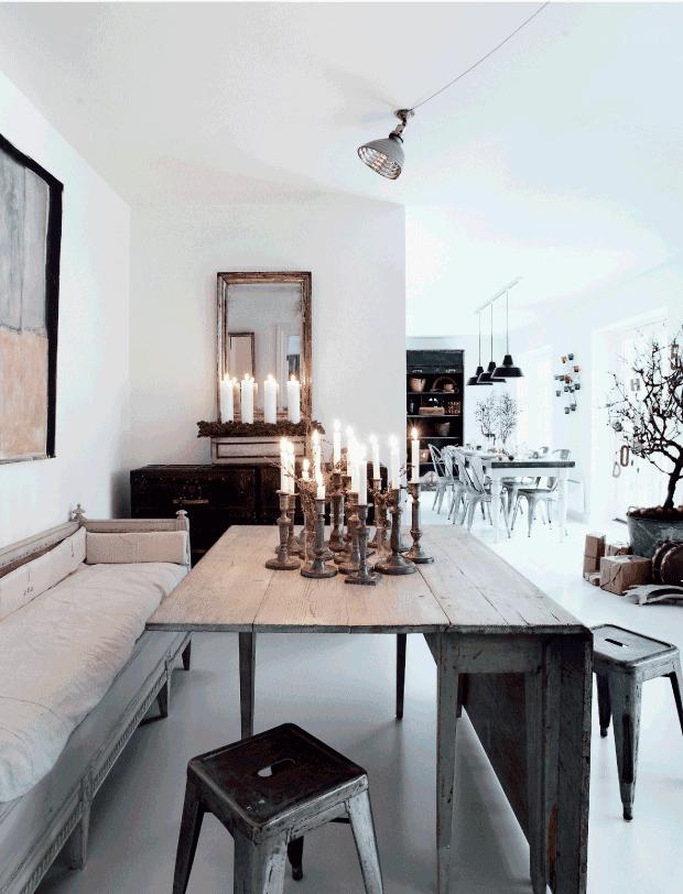 mesa de comedor con sillas A Tolix