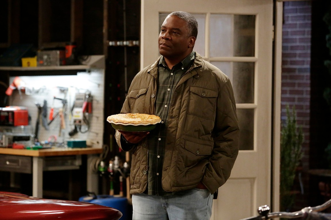 Last Man Standing - Season 6 Episode 08: My Father the Car