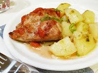 Pui in vin alb la cuptor cu sote de cartofi
