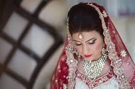 wedding hair with tiara in Niger