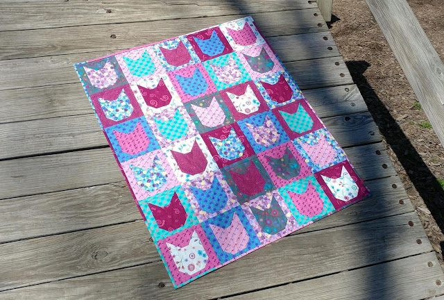 Kitty cat quilt using Sarah Maxwell's fabric