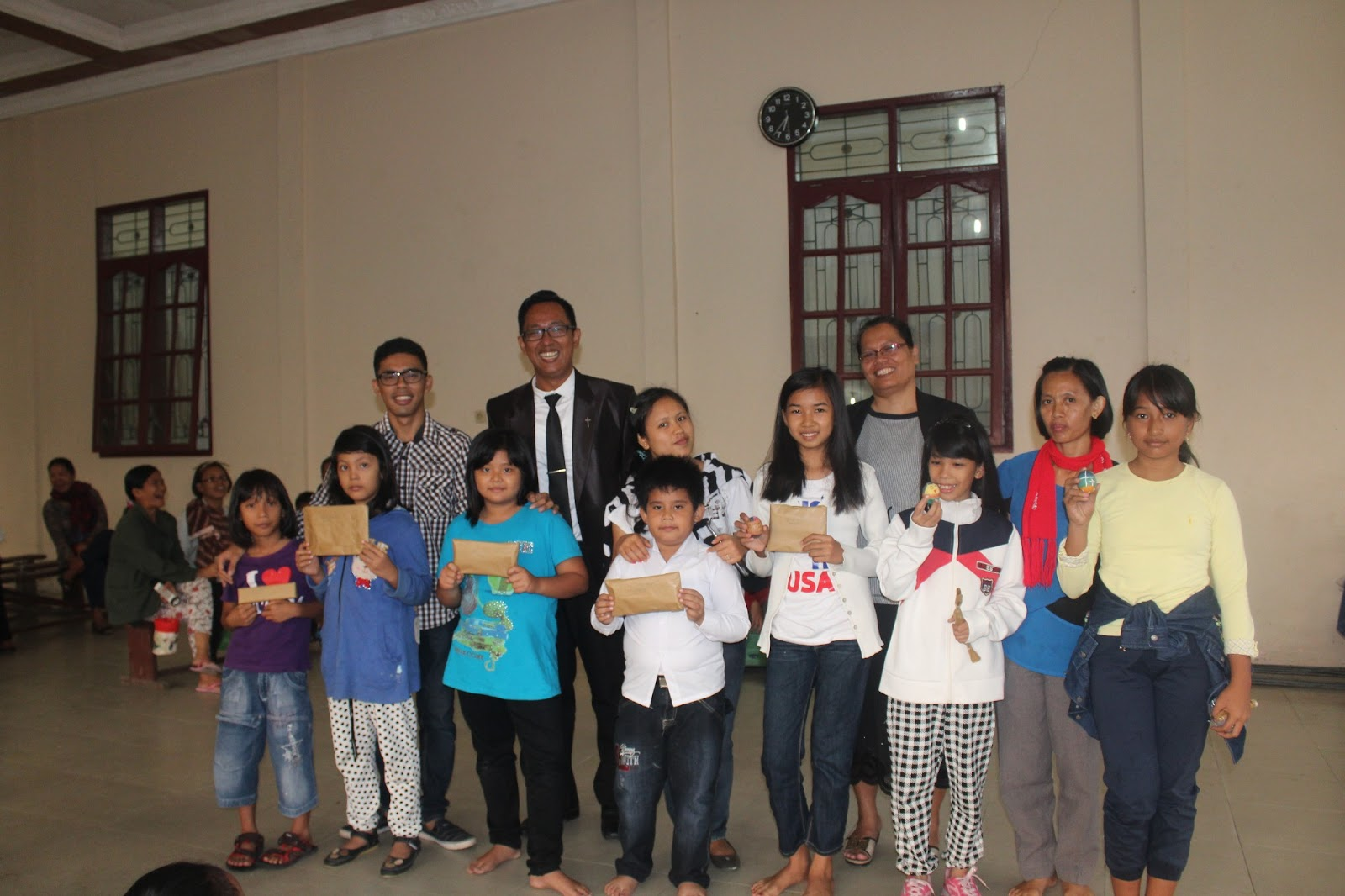 Ratusan Sekolah Minggu Hkbp Mahanaim Dapat Hadiah Paskah Lintas Publik