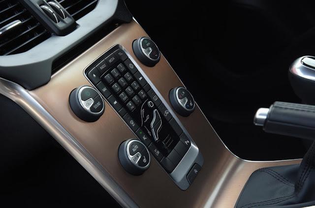 2016 Volvo V40 Cross Country D2