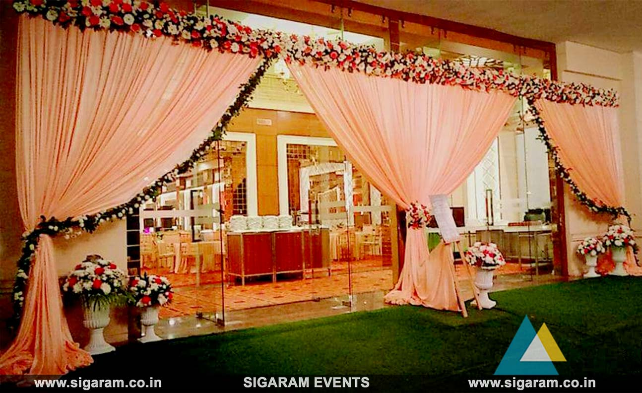 Wedding and reception entrance door decoration in pondicherry for brilliant entrance door decoration ideas you can refer the below pictures to get an idea of what you can do to make the entrance beautiful junglespirit Choice Image