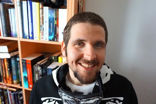 Escritor Carlos J. Eguren