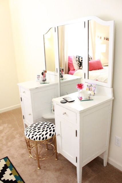 white corner vanity table with drawers