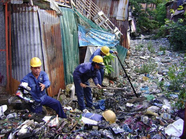 rác thải xung quanh ta