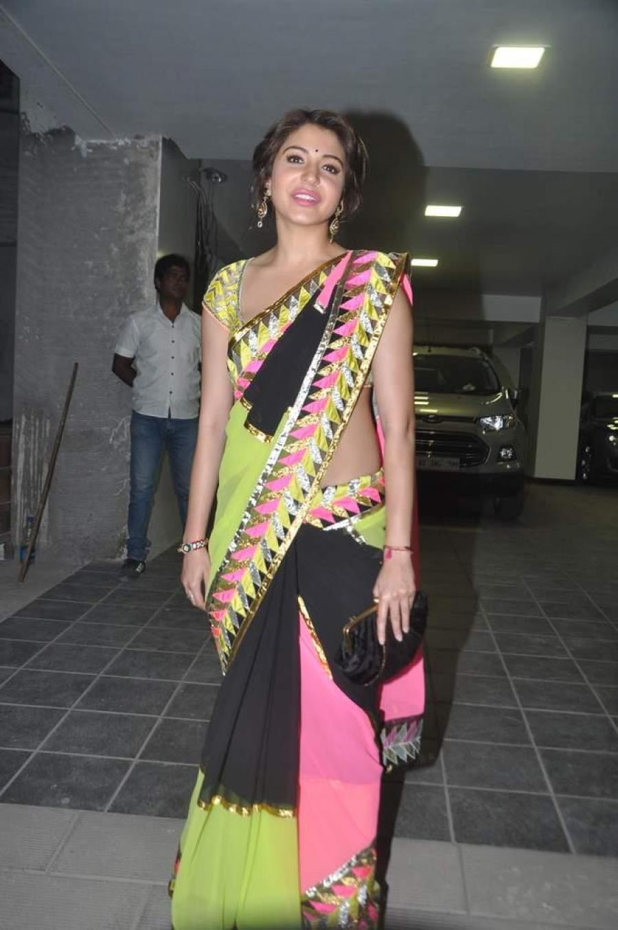 Anushka Sharma Hot Photos At Diwali Party In Black Saree