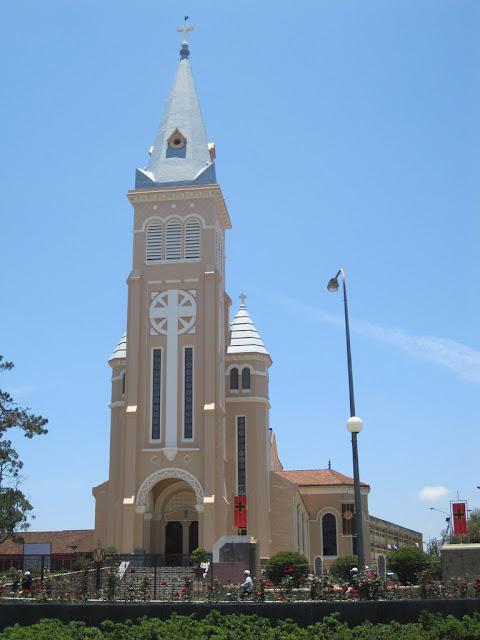 Campana de la Catedral de Da Lat