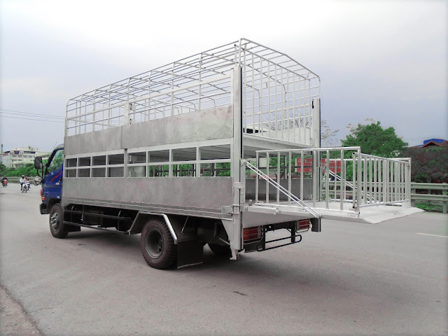 Giá xe 8 tấn thùng chở lợn